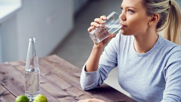 uống nước giảm cân