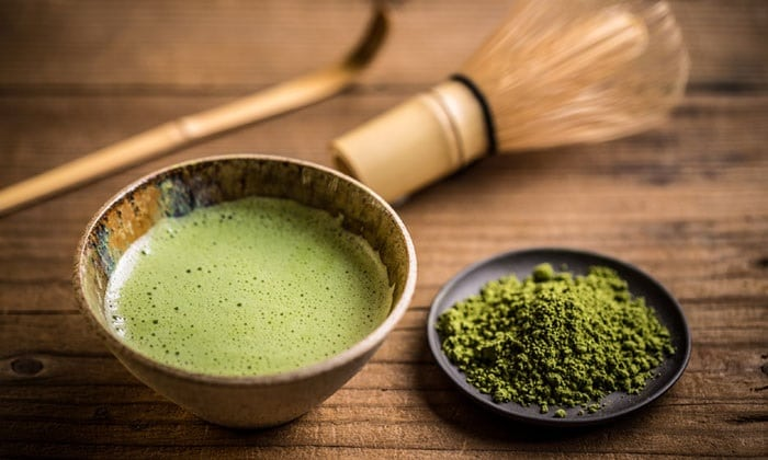 Giảm cân bằng bột trà xanh nguyên chất đơn giản, dễ thực hiện.