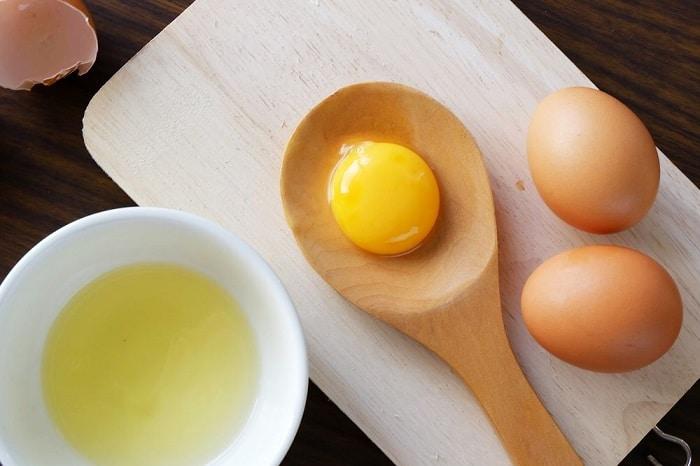 mặt nạ lòng đỏ trứng gàvà dầu dừa
