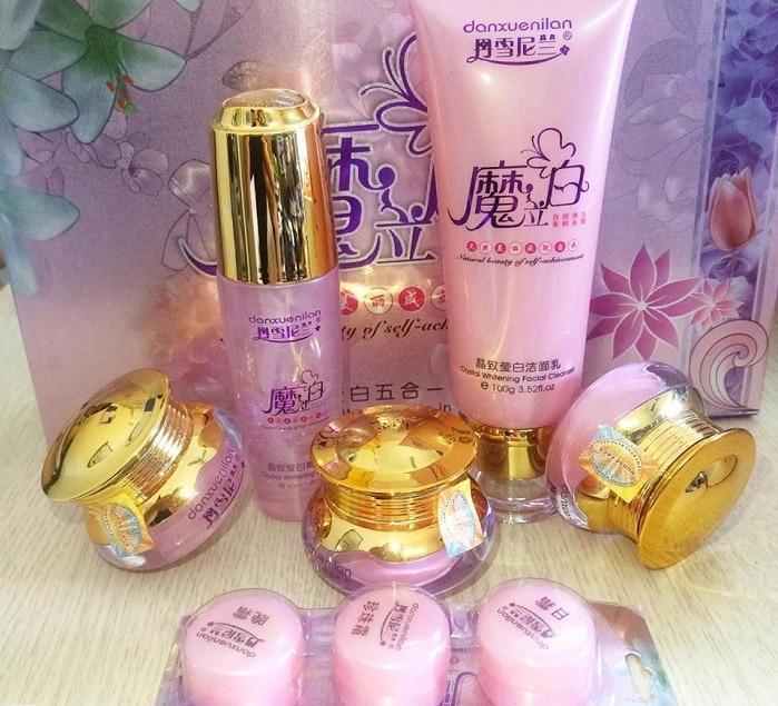 Bộ mỹ phẩm hoàng cung hồng