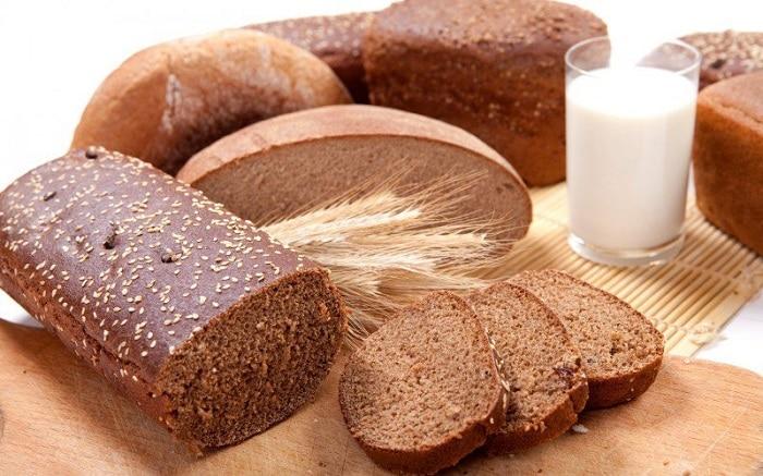 Bánh mì lúa mạch đen trong 100 gr thì khoảng 284 calo.
