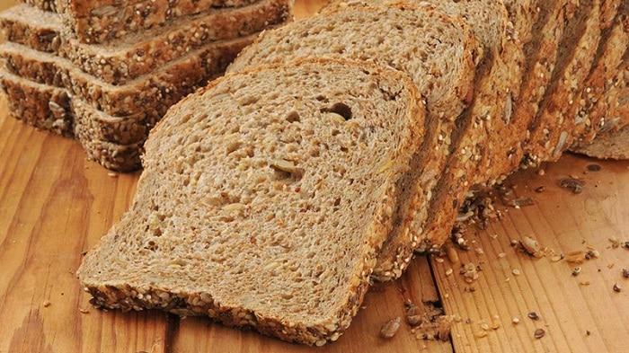 Lưu ý với bánh mì Ezekiel này là có chứa gluten nên nếu bạn là người dị ứng với gluten thì không nên sử dụng.