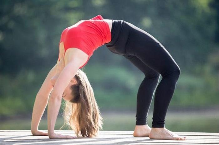 Tập yoga còn giúp cơ thể linh hoạt và dẻo dai hơn.