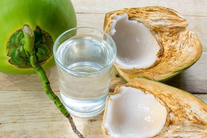 Nước dừa tươi thanh mát và đẹp da.