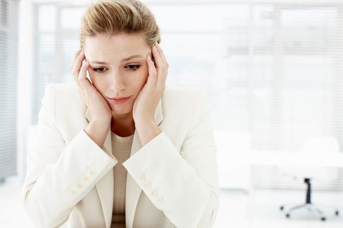 Gây mất ngủ, chóng mặt là một số tác dụng phụ của việc uống thuốc giảm cân.