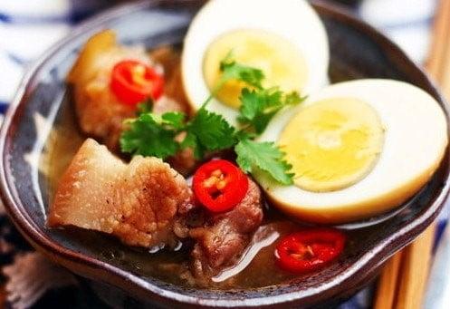 Thịt kho tàu nhiều chất béo