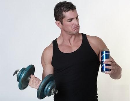 Soda cũng là thực phẩm mà người tập gym không nên ăn uống.