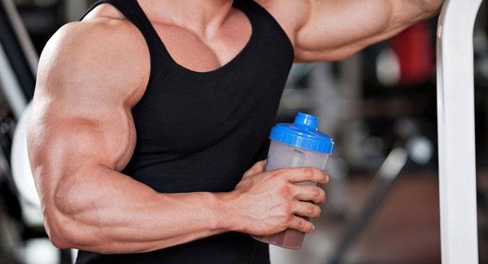 Whey Protein rất tốt để phát triển cơ bắp.