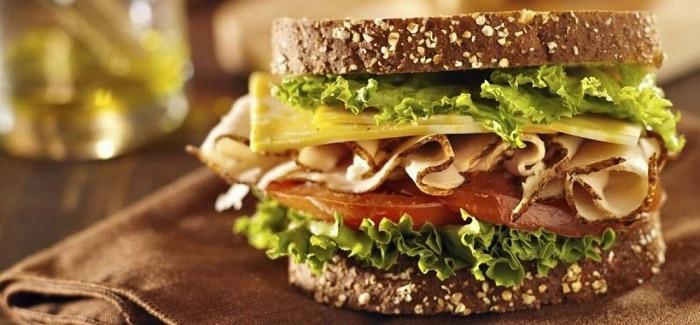 Bánh mì nguyên cám cùng rau củ giảm cân, đẹp da.