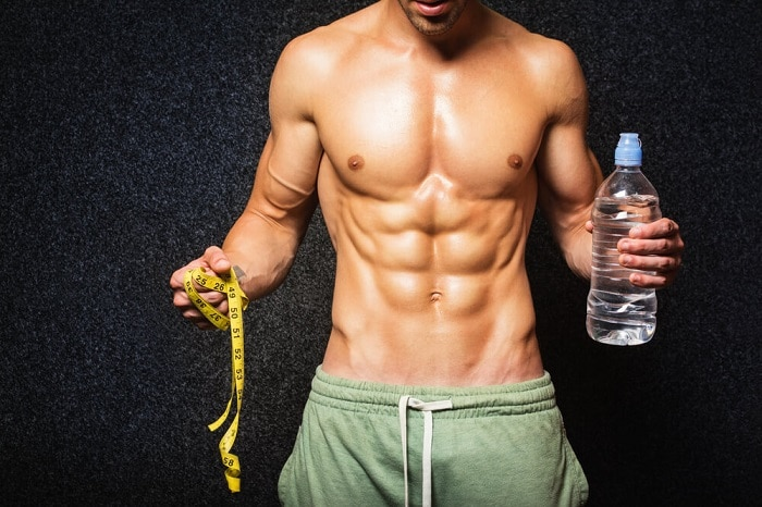 Uống nhiều nước để thải độc, chất béo ra ngoài cơ thể.