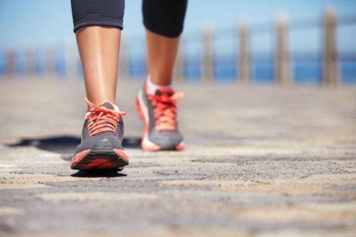 đi bộ có làm giảm mỡ bụng không