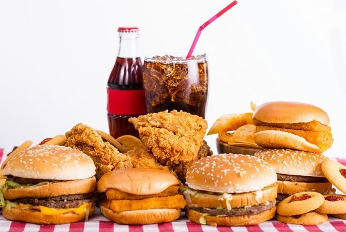 Thức ăn nhanh cũng là thực phẩm nên tránh đối với người tập gym.