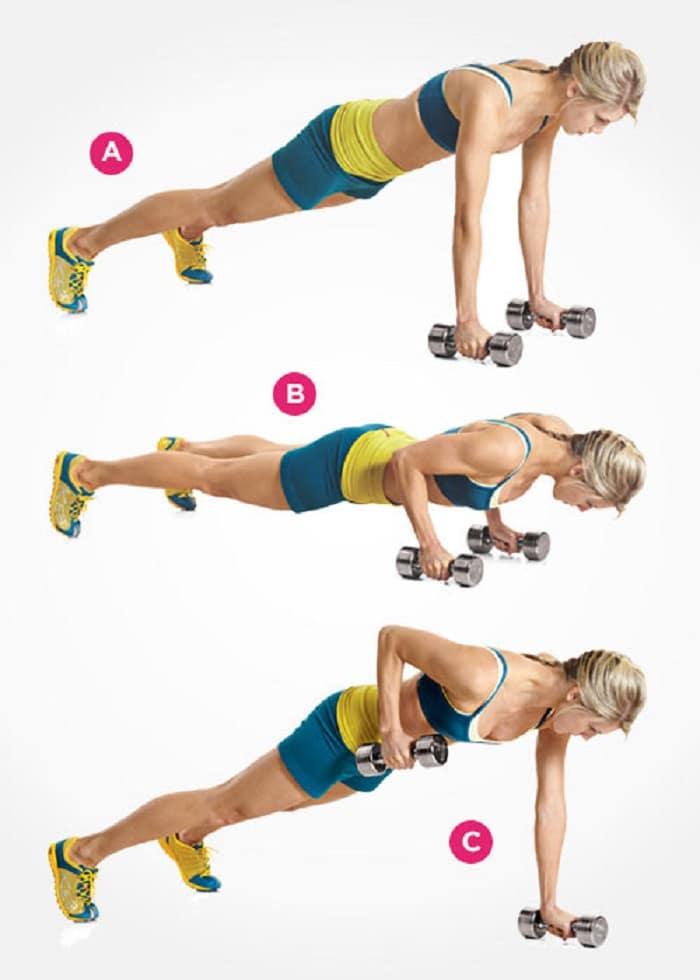 Chống đẩy cầm tạ - bài tập này chỉ nên chọn tạ vừa sức để tránh chấn thương.