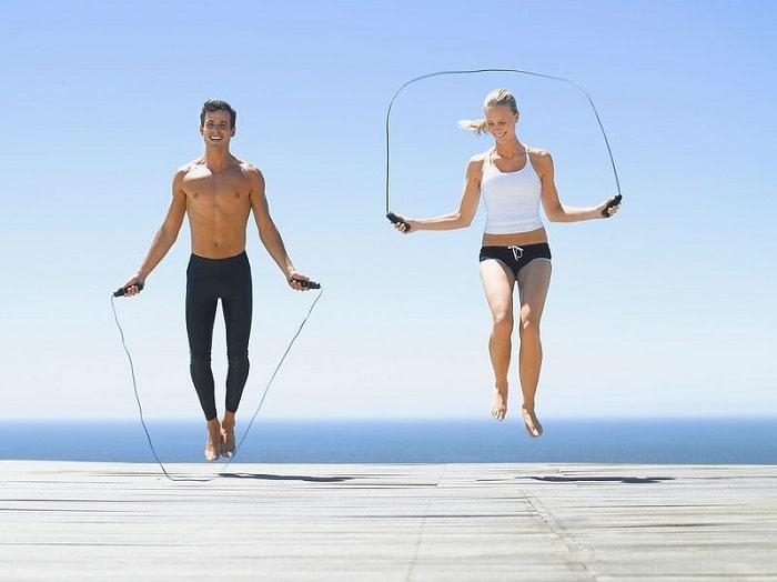 Giảm cân, giảm mỡ với bài tập nhảy dây.