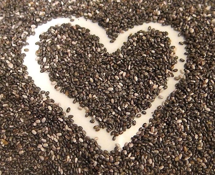 Hạt chia chứa nhiều chất dinh dưỡng và rất tốt cho sức khỏe.