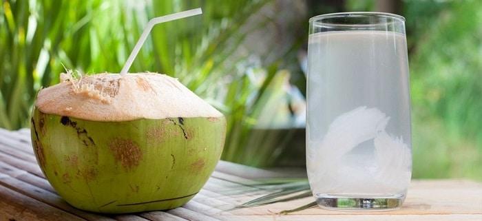 Nước dừa tươi còn giúp tinh thần sảng khoái.