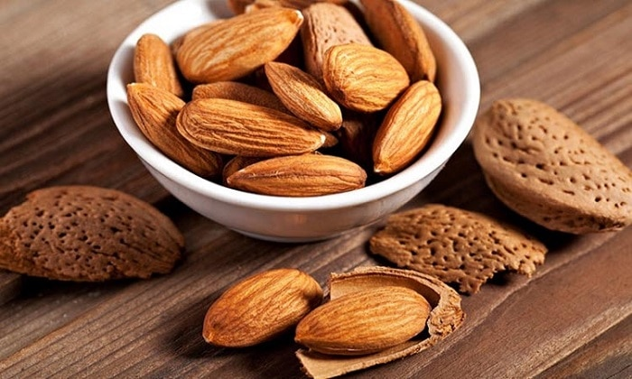 Hạnh nhân là thức ăn vặt vừa không lo béo mà còn tốt cho sức khỏe.