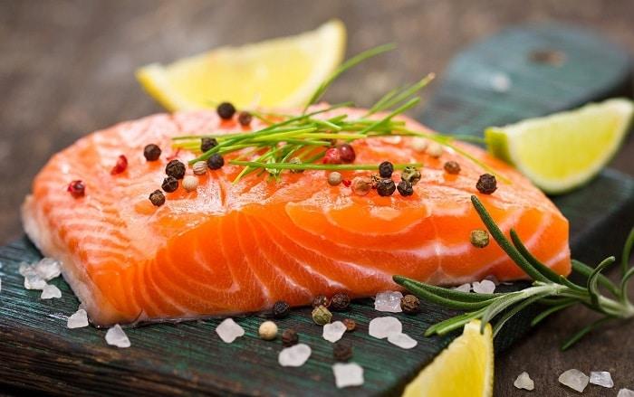 Cá hồi là thực phẩm không nên bỏ qua nếu bạn muốn giảm cân.