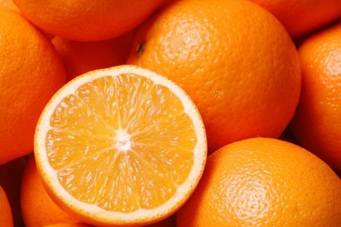 Nếu có bưởi thì cũng không nên bỏ qua cam trong những thực phẩm ăn thoải mái mà không lo béo.