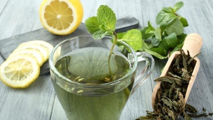 Nước trà xanh còn chứa chất chống oxy hóa.