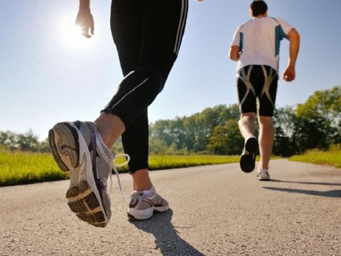 chạy bộ 30 phút đốt cháy bao nhiêu calo