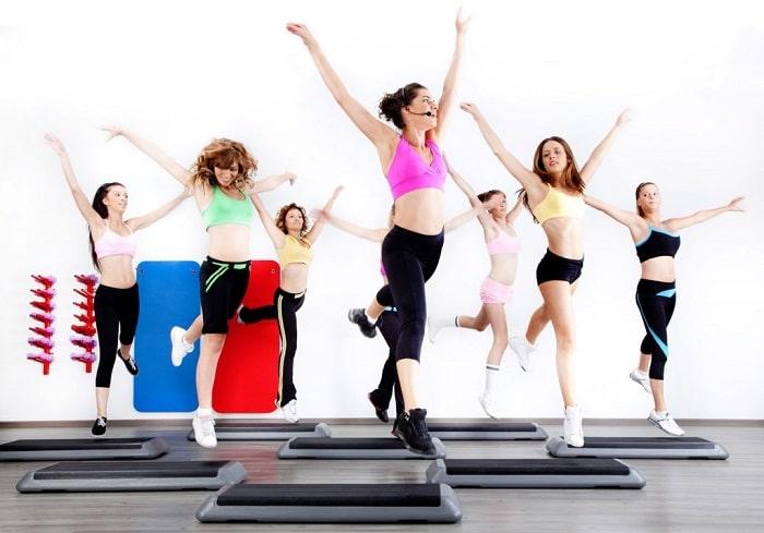 Các bài tập Aerobic không khó nhưng đòi hỏi bạn phải thực hiện đúng kỹ thuật thì giảm mỡ bụng mới có hiệu quả.