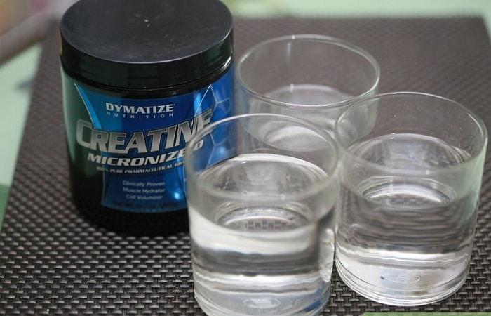 Sử dụng Creatine nên uống nhiều nước.