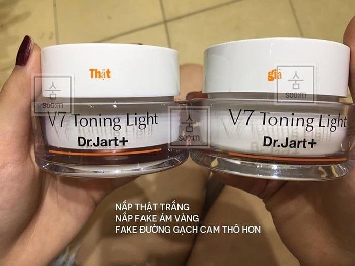 kem v7 toning light giá bao nhiêu