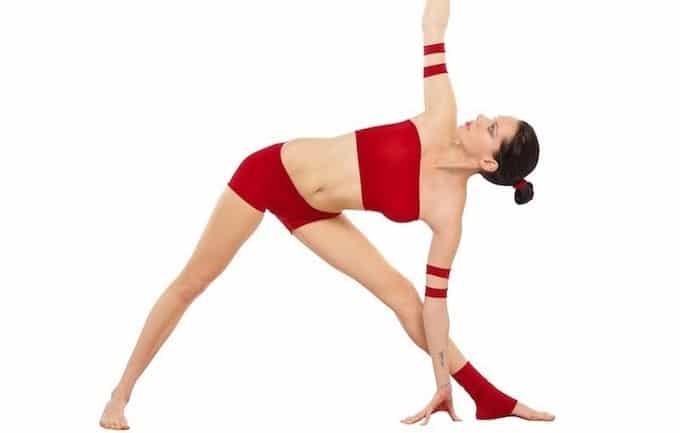 Yoga cho bà bầu tư thế tam giác