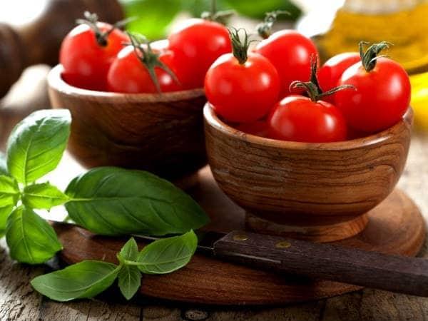 Cà chua là một trong những thực phẩm giảm mỡ bụng cấp tốc.