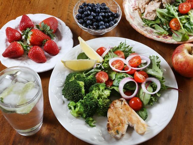 Xây dựng chế độ ăn uống giảm cân khoa học dành cho bé.