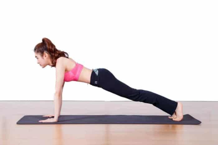 các tư thế yoga chữa đau lưng