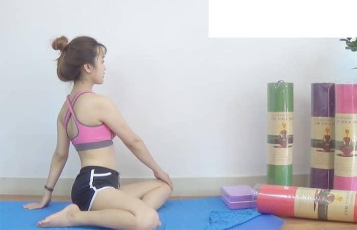 hết đau lưng với yoga