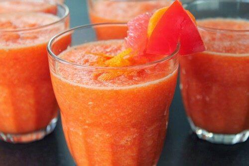 Nước ép bưởi và cà chua giảm cân hiệu quả