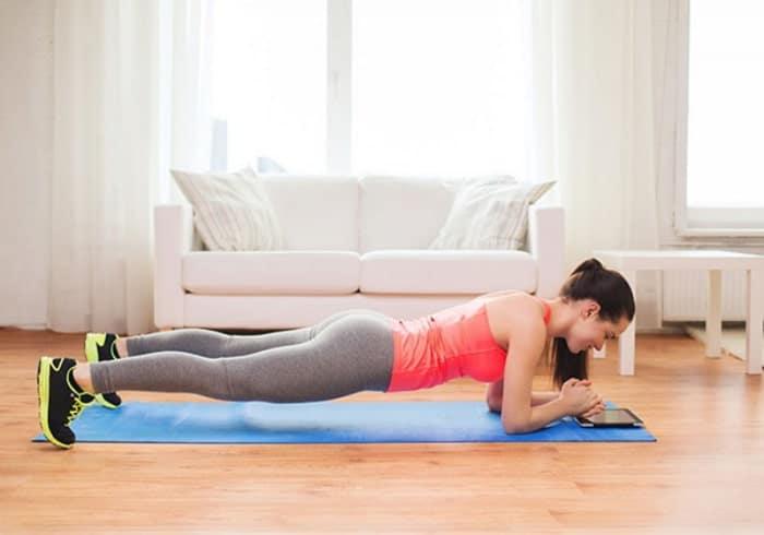 bài tập thể dục buổi tối trước khi đi ngủ