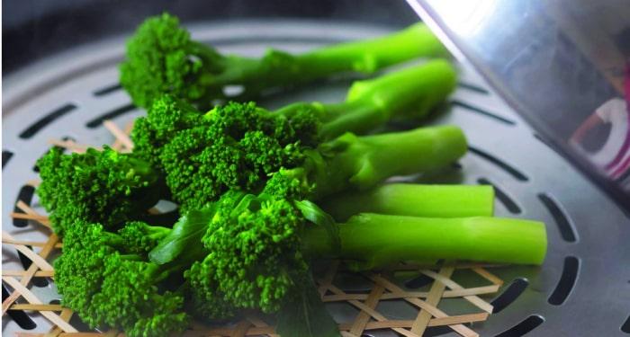 thực đơn giảm cân bằng rau củ luộc với bông cải