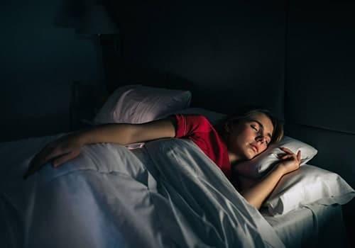 tư thế ngủ giúp giảm cân