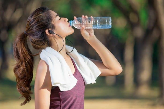 Bổ sung nước đầy đủ cho cơ thể sau khi tập thể thao