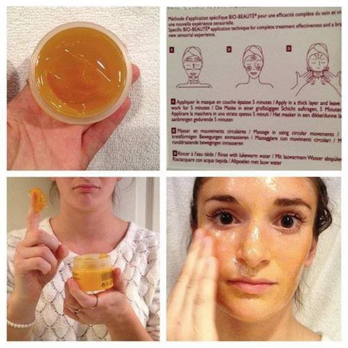 Khách hàng dùng mặt nạ thải độc Bio Nuxe Bio Beauté Vitamin-Rich Detox Mask