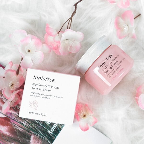 kem dưỡng innisfree jeju cherry blossom tone up cream