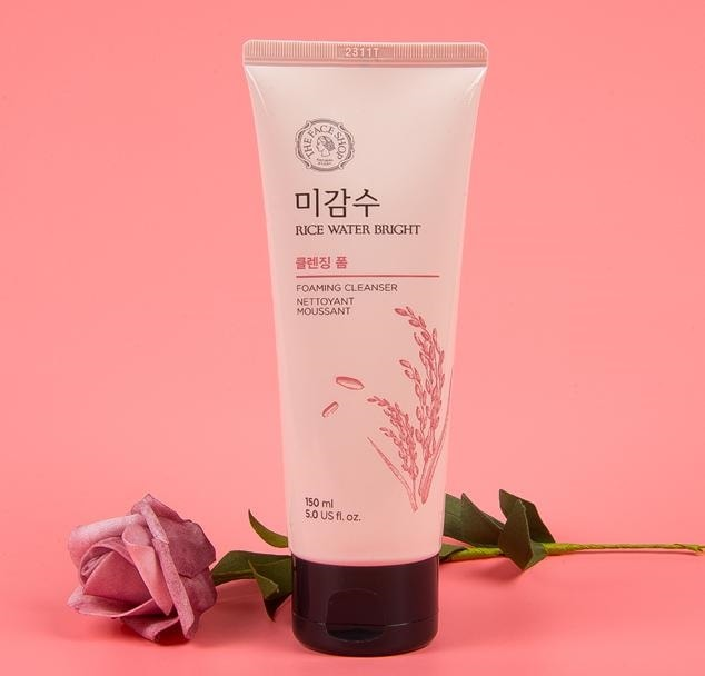 sữa rửa mặt the face shop rice water bright