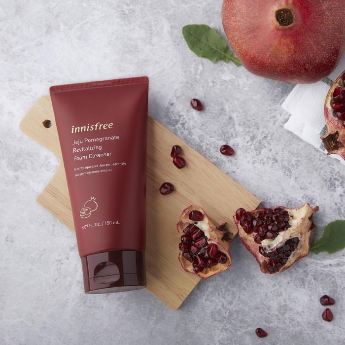 jeju pomegranate revitalizing foam cleanser