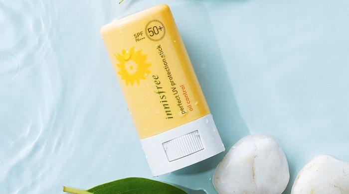 kem chống nắng cho da dầu mụn giá rẻ