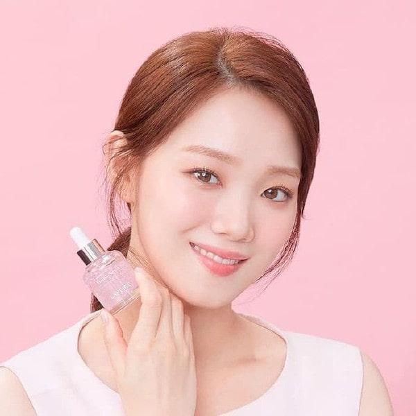 Tinh chất trang điểm dưỡng da Laneige Glowy Makeup Serum