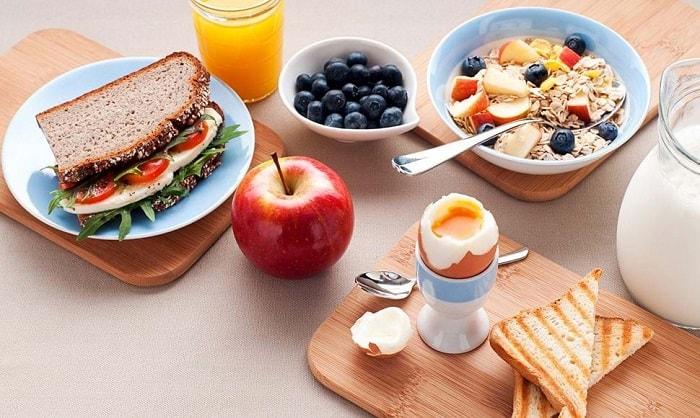 nữ tập gym nên ăn gì để giảm cân