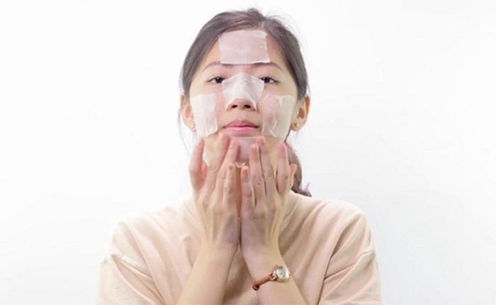 Dùng Innisfree Bija Trouble Skin Toner làm lotion mask cũng là một cách sử dụng.